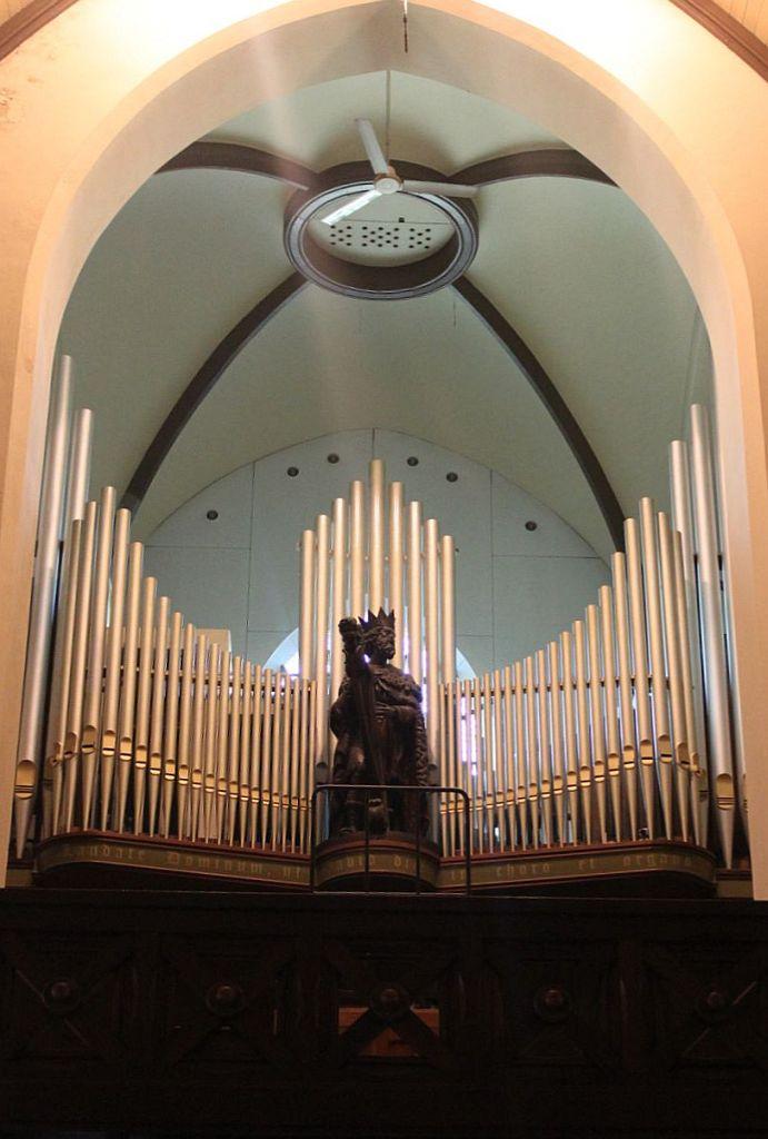 Het Vermeulen-orgel uit 1953 in de Sint Pancratius kerk in Castricum. Het orgel wordt ook wel het David-orgel genoemd, naar het gezichtsbepalende beeld voor het orgel.