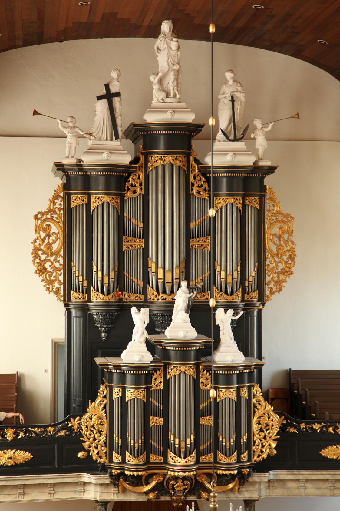 Het Zwier van Dijk-orgel uit 1885 in de grote kerk in Genemuiden