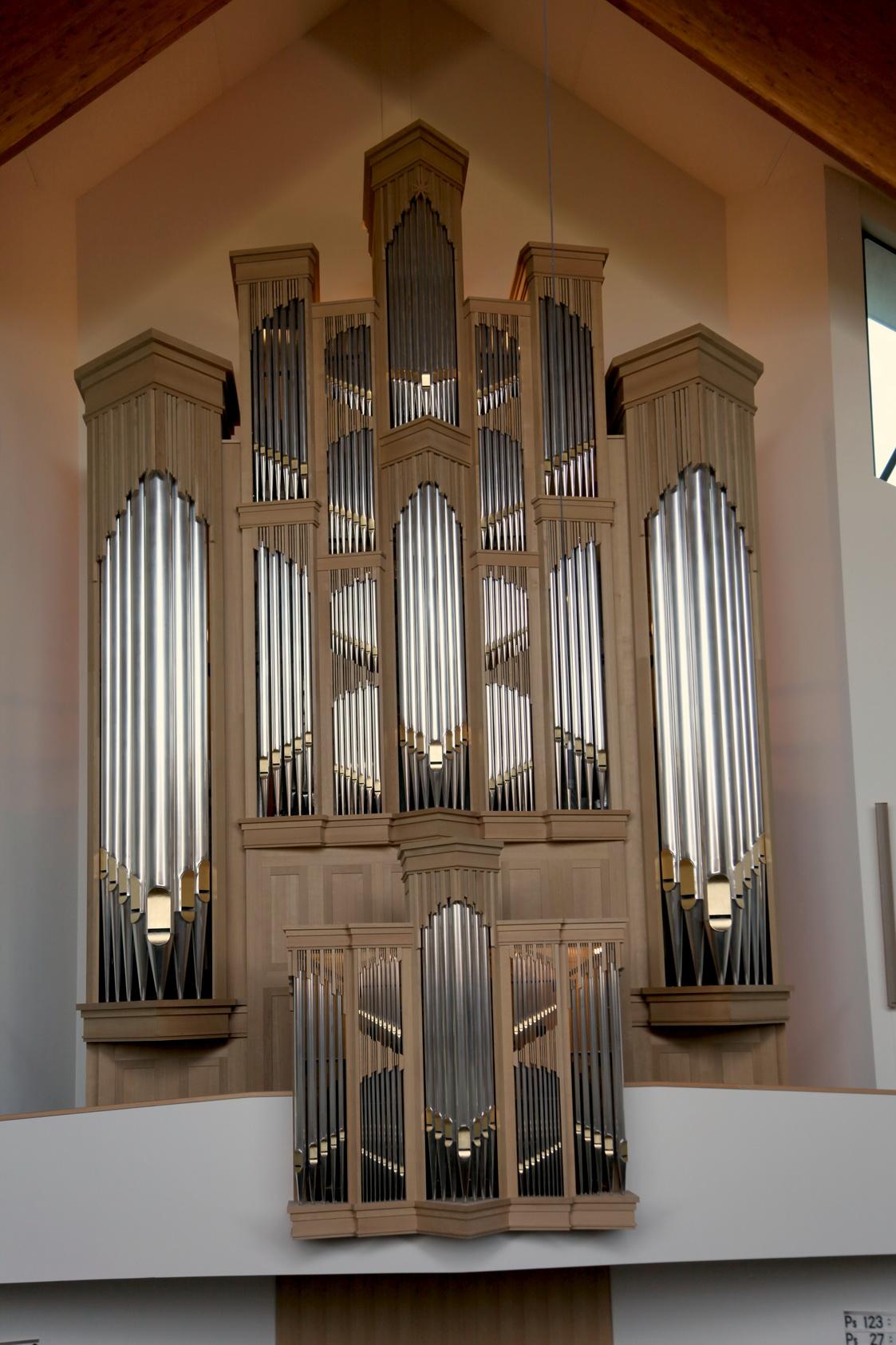 Het Ide Boogaard-orgel uit 2014 in de Ichtuskerk op Urk