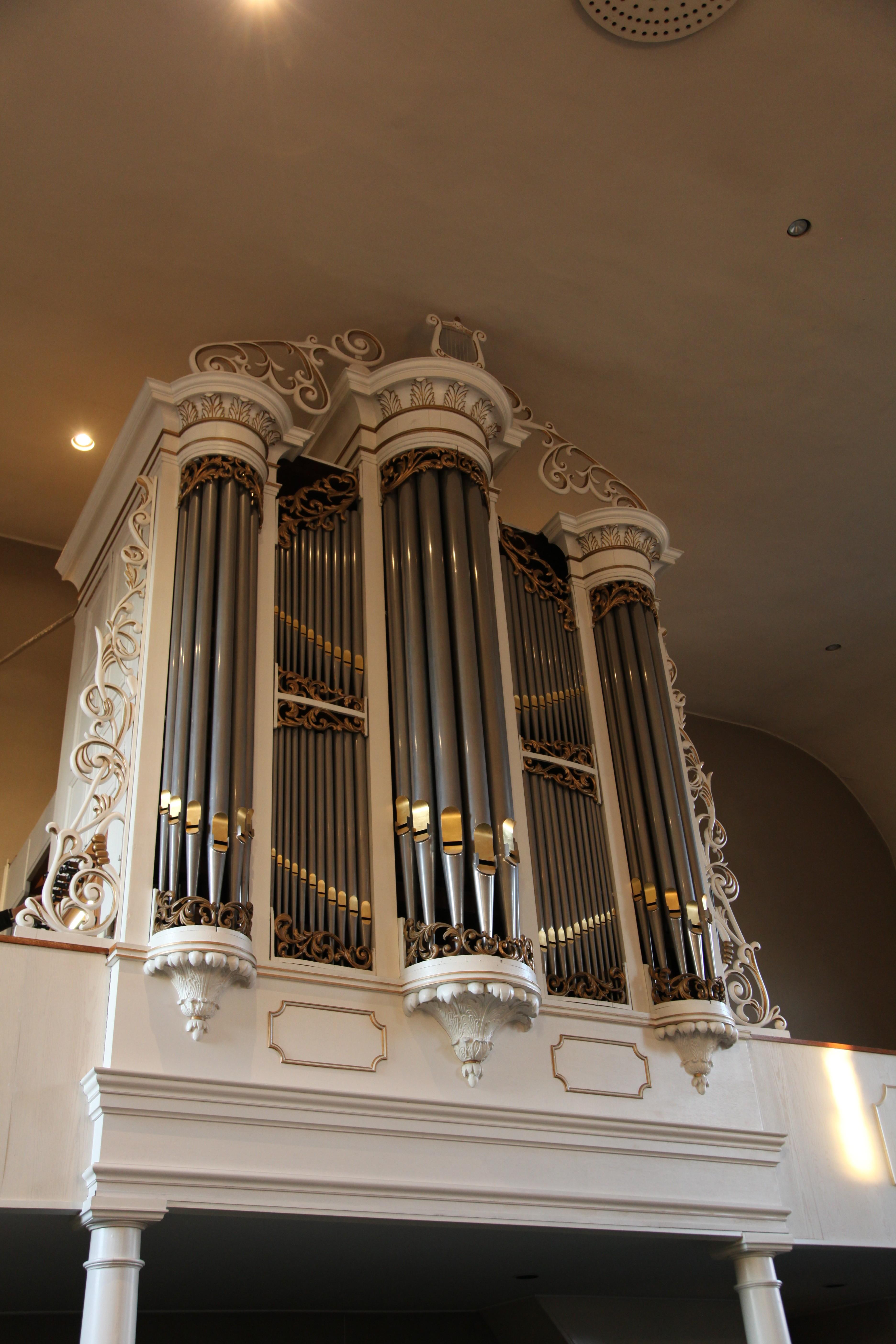 Het Naber-orgel uit 1855 in de Hervormde Kerk te Holten